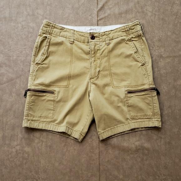 f7c761e300 Hollister Beach prep fit shorts. M_5b1d75432beb797bde426879